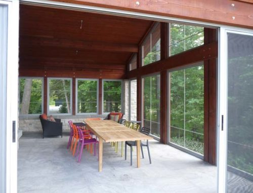 Enjoying the Outdoors from your Screened Sunroom